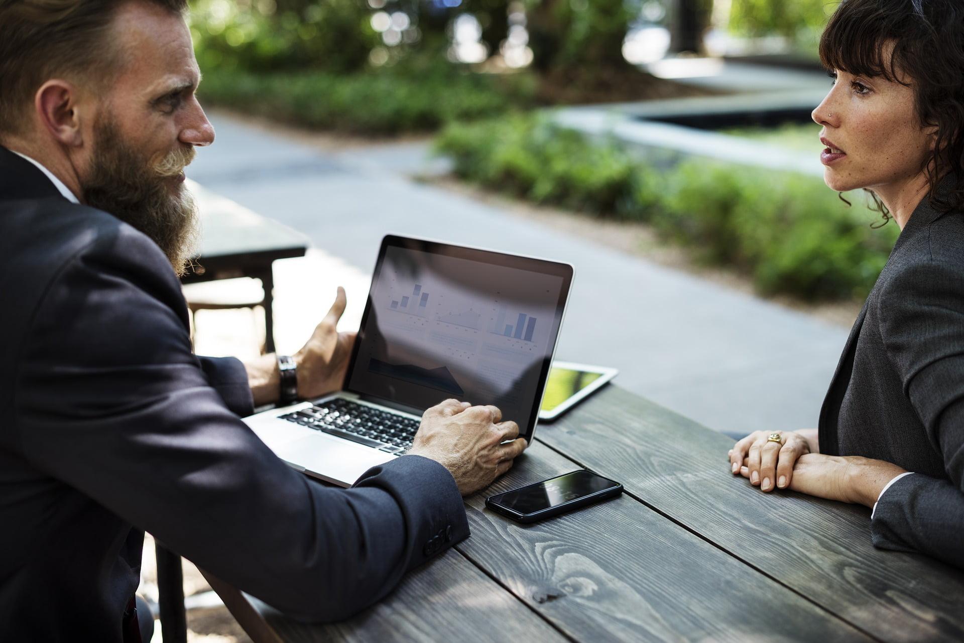 Kredyty dla firm na inwestycje i utrzymanie płynności w firmie.